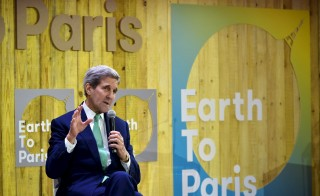 """U.S. Secretary of State John Kerry speaks at the Mashable/UN Foundation """"Earth to Paris"""" Summit during the COP 21 United Nations conference on climate change at Le Petit Palais in Paris, December 7, 2015. REUTERS/Mandel Ngan/Pool - RTX1XL9C"""
