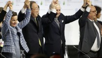 From L-R, Christiana Figueres, Executive Secretary of the UN Framework Convention on Climate Change, United Nations Secretary-General Ban Ki-moon, French Foreign Affairs Minister Laurent Fabius, President-designate of COP21 and French President Francois Hollande react during the final plenary session at the World Climate Change Conference 2015 (COP21) at Le Bourget, near Paris, France, December 12, 2015.     REUTERS/Stephane Mahe  TPX IMAGES OF THE DAY  - RTX1YERL