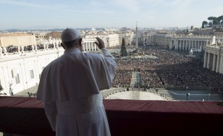 "Pope Francis waves during the ""Urbi et Orbi"" (to the City and the World) Christmas message from the balcony overlooking St. Peter's Square at the Vatican December 25, 2015.  REUTERS/Osservatore Romano/Handout via Reuters ATTENTION EDITORS - THIS IMAGE WAS PROVIDED BY A THIRD PARTY. REUTERS IS UNABLE TO INDEPENDENTLY VERIFY THE AUTHENTICITY, CONTENT, LOCATION OR DATE OF THIS IMAGE. FOR EDITORIAL USE ONLY. NOT FOR SALE FOR MARKETING OR ADVERTISING CAMPAIGNS. FOR EDITORIAL USE ONLY. NO RESALES. NO ARCHIVE. THIS PICTURE IS DISTRIBUTED EXACTLY AS RECEIVED BY REUTERS, AS A SERVICE TO CLIENTS.  - RTX201OW"
