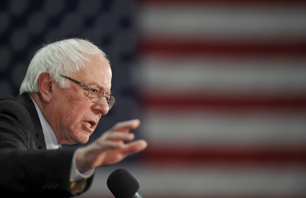U.S. Democratic presidential candidate and U.S. Senator Bernie Sanders speaks at a campaign rally in Manchester, New Hampshire on Jan. 4, 2016. Sanders will give a rare policy address Tuesday detailing his financial regulation plans, should he win the presidency this November. Photo by Gretchen Ertl/Reuters
