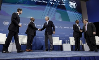 (L-R) U.S. Speaker Paul Ryan and U.S.Senator Tim Scott share the stage with U.S. Republican presidential candidates Jeb Bush, Dr. Ben Carson and Governor Chris Christie during the 2016 Kemp Forum on Expanding Opportunity in Columbia, South Carolina, January 9, 2016. The forum featured six presidential candidates and focused on their ideas for fighting poverty and expanding opportunity in America.  REUTERS/Randall Hill - RTX21NWF