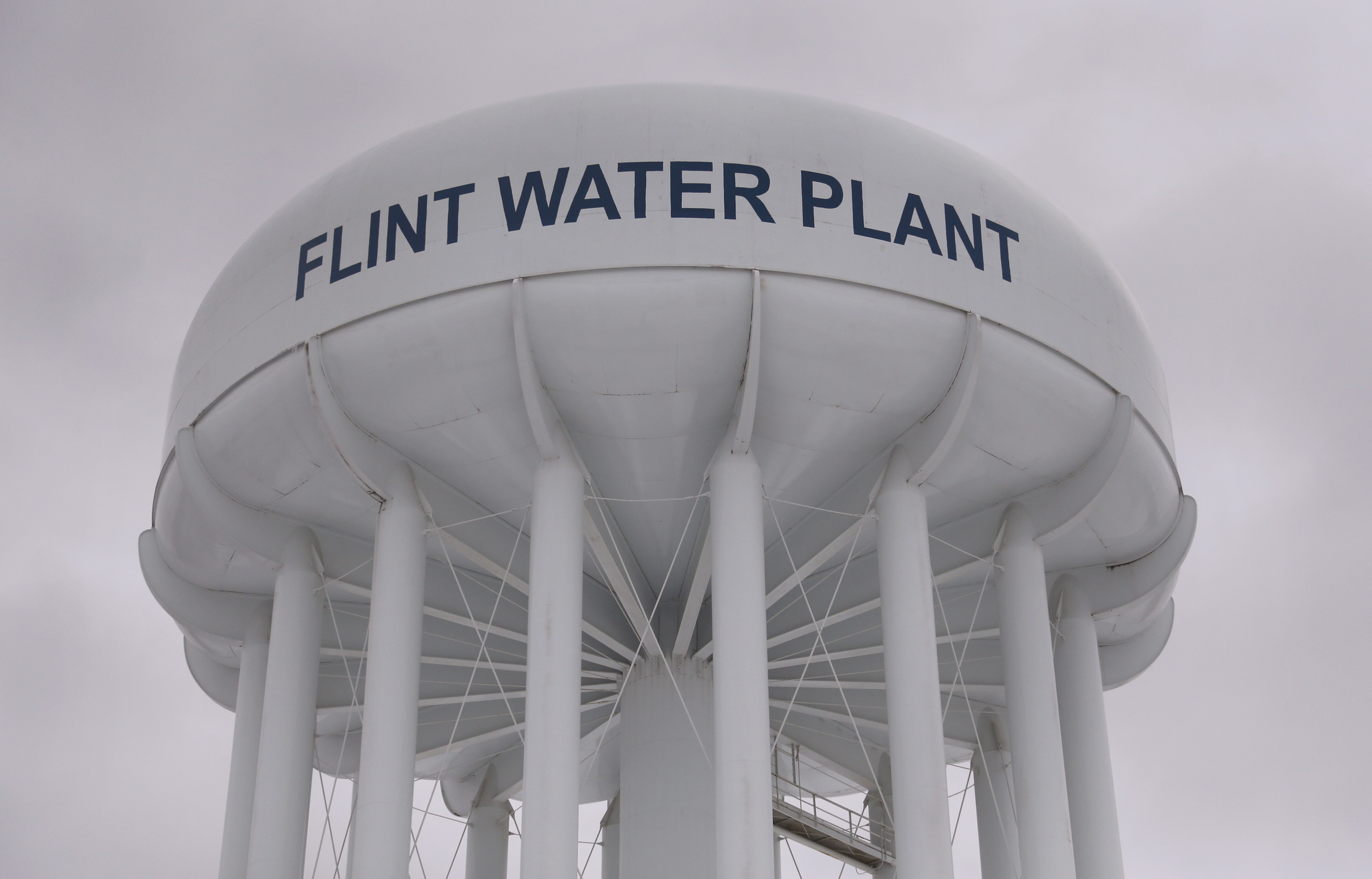 In Flint Mi Theres So Much Lead In >> Flint S Lead Laced Water May Not Cause Permanent Brain Damage In