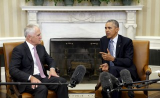 U.S. President Barack Obama (R) delivers remarks to reporters as he sits down to a meeting with Australian Prime Minister Malcolm Turnbull (L) at the White House in Washington, D.C., Jan. 19, 2016. Photo by Jonathan Ernst/Reuters