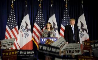 Former Alaska Gov. Sarah Palin endorses U.S. Republican presidential candidate Donald Trump for President at a rally at Iowa State University in Ames, Iowa, on Jan. 19, 2016. Photo by Mark Kauzlarich/Reuters