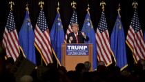 U.S. Republican presidential candidate and businessman Donald Trump speaks at a campaign rally at the South Point Resort and Casino in Las Vegas, Nevada January 21, 2016. REUTERS/David Becker - RTX23GJU