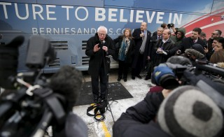 U.S. Democratic presidential candidate and U.S. Senator Bernie Sanders talks to reporters after a campaign event at the United Steelworkers Local in Des Moines, Iowa January 26, 2016.  REUTERS/Carlos Barria - RTX243ZC