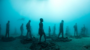 """Rubicon"" figures are installed on the ocean floor. Photo by Jason deCaires Taylor"