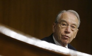 U.S. Senate Judiciary Committee Chairman Charles Grassley (R-IA) presides over a hearing on U.S. immigration enforcement policies, on Capitol Hill in Washington July 21, 2015.  REUTERS/Jonathan Ernst - RTX1L9LV