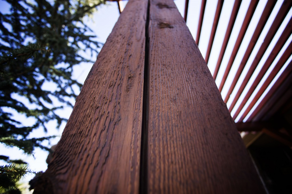 A nearly one inch wide crack is seen in an column that supports a pergola February 15, 2016 in Edmond, Oklahoma. The crack was caused by several earthquakes in the area. The state is now the earthquake capital of the world and the quakes are believed to be caused by oil field waste water injections into the earth. Photo by J Pat Carter/Getty Images