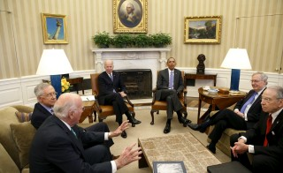 U.S. President Barack Obama (3rd R) meets with the bipartisan leaders of the Senate to discuss the Supreme Court vacancy left by the death of Justice Antonin Scalia, at the White House in Washington March 1, 2016. From L-R: Senator Patrick Leahy (D-VT), Senate Democratic Leader Harry Reid (D-NV), Vice President Joe Biden, Obama, Senate Majority Leader Mitch McConnell (R-KY), and Senator Chuck Grassley (R-IA). REUTERS/Yuri Gripas      TPX IMAGES OF THE DAY      - RTS8SEG