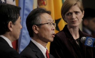 Japanese ambassador Motohide Yoshikawa speaks to the press with U.S. Ambassador Samantha Power (R) and South Korean ambassador Oh Joon (L) following the United Nations Security Council passing a resolution that tightened existing restrictions on North Korea at the United Nations Headquarters in New York March 2, 2016. REUTERS/Brendan McDermid - RTS8ZQU