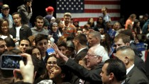 U.S. Democratic presidential candidate Bernie Sanders greets supporters at a campaign rally in Dearborn, Michigan, March 7, 2016.     REUTERS/Jim Young  - RTS9Q4B