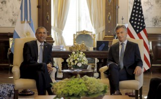Argentina's President Mauricio Macri (R) and President Barack Obama meet at the Casa Rosada government house in Buenos Aires. Photo by Carlos Barria/Reuters