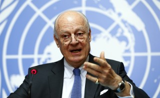 U.N. mediator for Syria Staffan de Mistura speaks to media on the U.N. sponsored Syria peace talks in Geneva, Switzerland March 14, 2016.  REUTERS/Ruben Sprich - RTX291C7