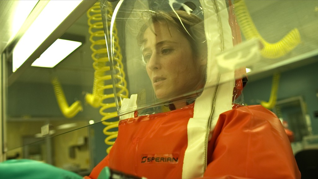 "JENNIFER EHLE as Dr. Ally Hextall in ""CONTAGION"", a 2011 film directed by Steven Soderbergh. Photo by Warner Brothers Pictures"