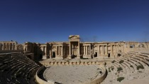 """A view shows the Roman Theatre in the historical city of Palmyra, in Homs Governorate, Syria April 1, 2016. REUTERS/Omar Sanadiki  SEARCH """"PALMYRA SANADIKI"""" FOR THIS STORY. SEARCH """"THE WIDER IMAGE"""" FOR ALL STORIES - RTSD6WH"""