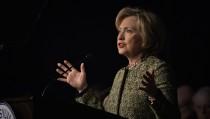 Democratic U.S. presidential candidate Hillary Clinton speaks to the Pennsylvania AFL-CIO Convention in Philadelphia, Pennsylvania April 6, 2016.   REUTERS/Charles Mostoller - RTSDVDD