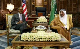 U.S. President Barack Obama meets with Saudi King Salman at Erga Palace upon his arrival for a summit meeting in Riyadh, Saudi Arabia on April 20. Photo by Kevin Lamarque/Reuters