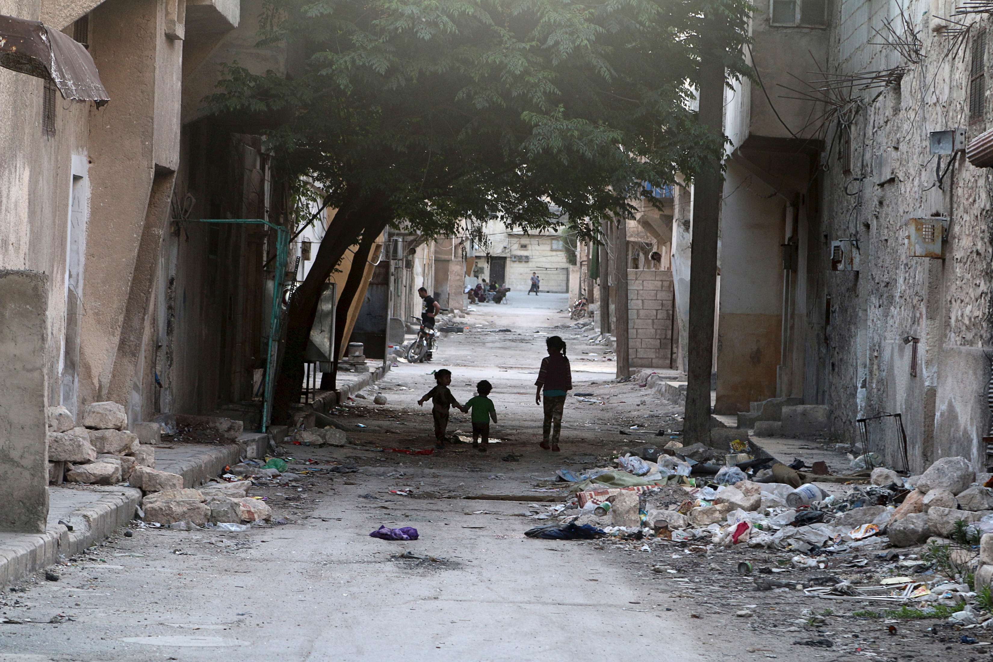 Hospitals and doctors under attack in Aleppo 'difficult to replace'
