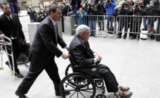 Former U.S. House Speaker Dennis Hastert arrives at the Dirksen Federal courthouse for his scheduled sentencing hearing in Chicago, Illinois, U.S. April 27, 2016.  REUTERS/Frank Polich - RTX2BVKZ