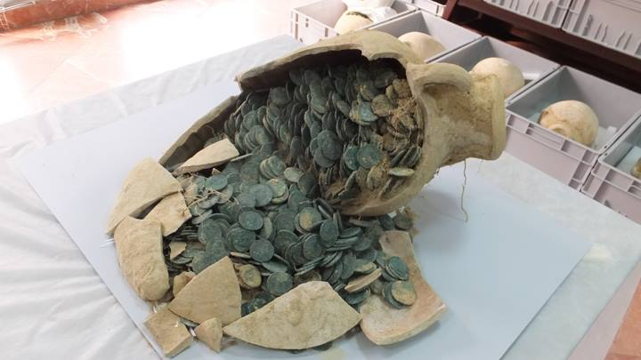 The treasure trove of coins was hidden in 19 pottery jugs. Photo courtesy of the Archeological Museum of Seville