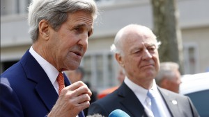 U.S. Secretary of State John Kerry (L) gestures next to United Nations Special Envoy on Syria Staffan de Mistura during a news conference in Geneva, Switzerland May 2, 2016. REUTERS/Denis Balibouse  - RTX2CF37