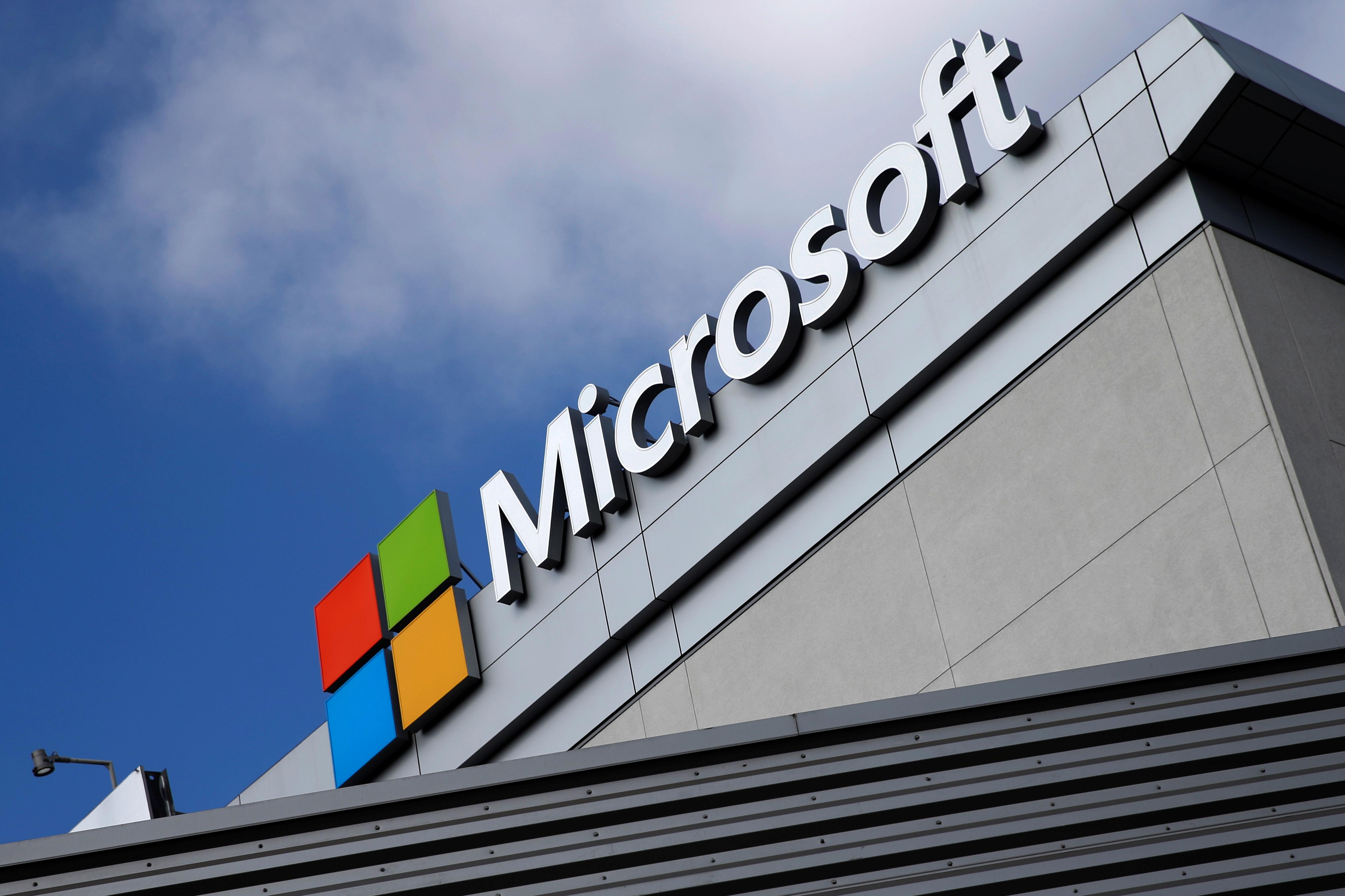 Apple, Microsoft, HP among companies shunning GOP convention | PBS