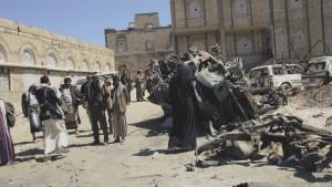 Al Qaeda Exploiting the Conflict in Yemen, says Pentagon Chief