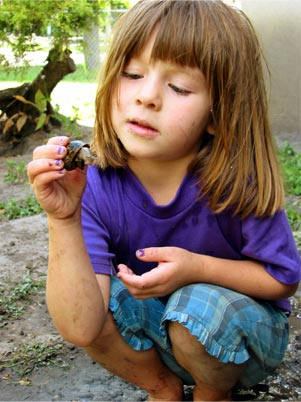 girl with snail