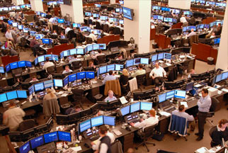 traders at computers