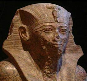 A bust of Thutmosis IV.