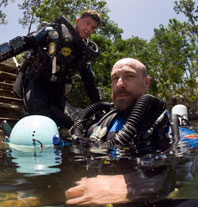 cave divers Kenny Broad and Brian Kaku