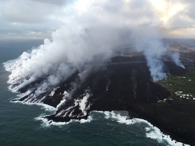 USGS_Kīlauea_multimediaFile-2329_(2018-06-27).jpg