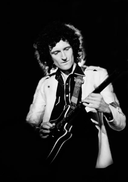Celebrity Scientist #1:  Brian May - Rock Star. Badger Protector.-brian-may_with_red_special.jpeg