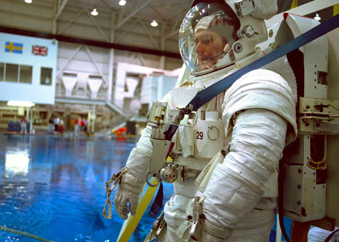 65e560fd65dd3 Chang-Díaz trains for the STS-91 mission Astronauts ...