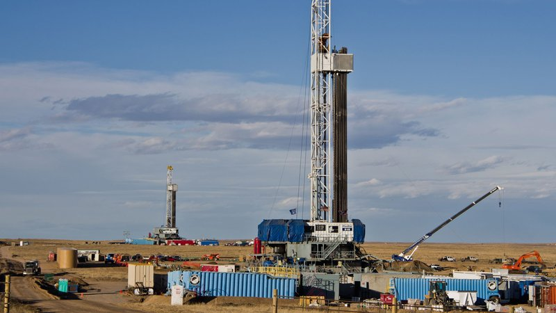 fracking-well-drilling