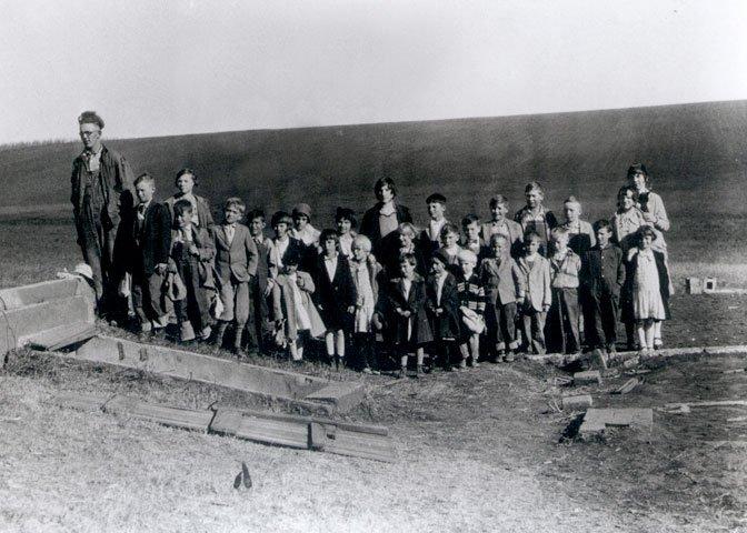 Dale Larson and the schoolchildren