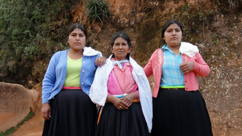 peruvian-highland-women