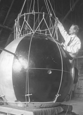Piccard with gondola