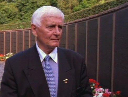 Guschewski at memorial