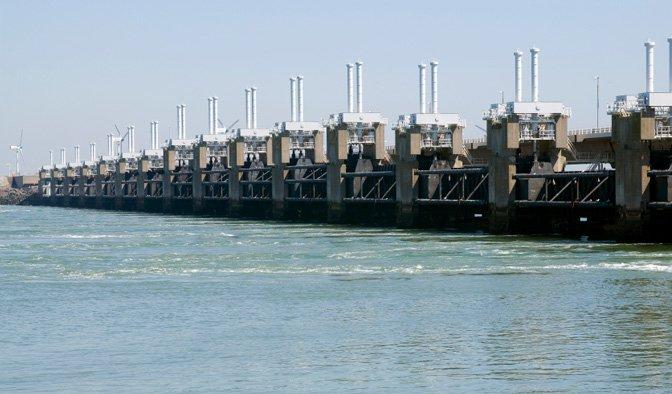 1-oosterschelde-storm-surge-barrier.jpg