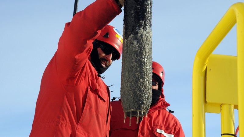 WISSARD-antarctica-subglacial-lake-whillans-Percussion-Core-recovery-HR
