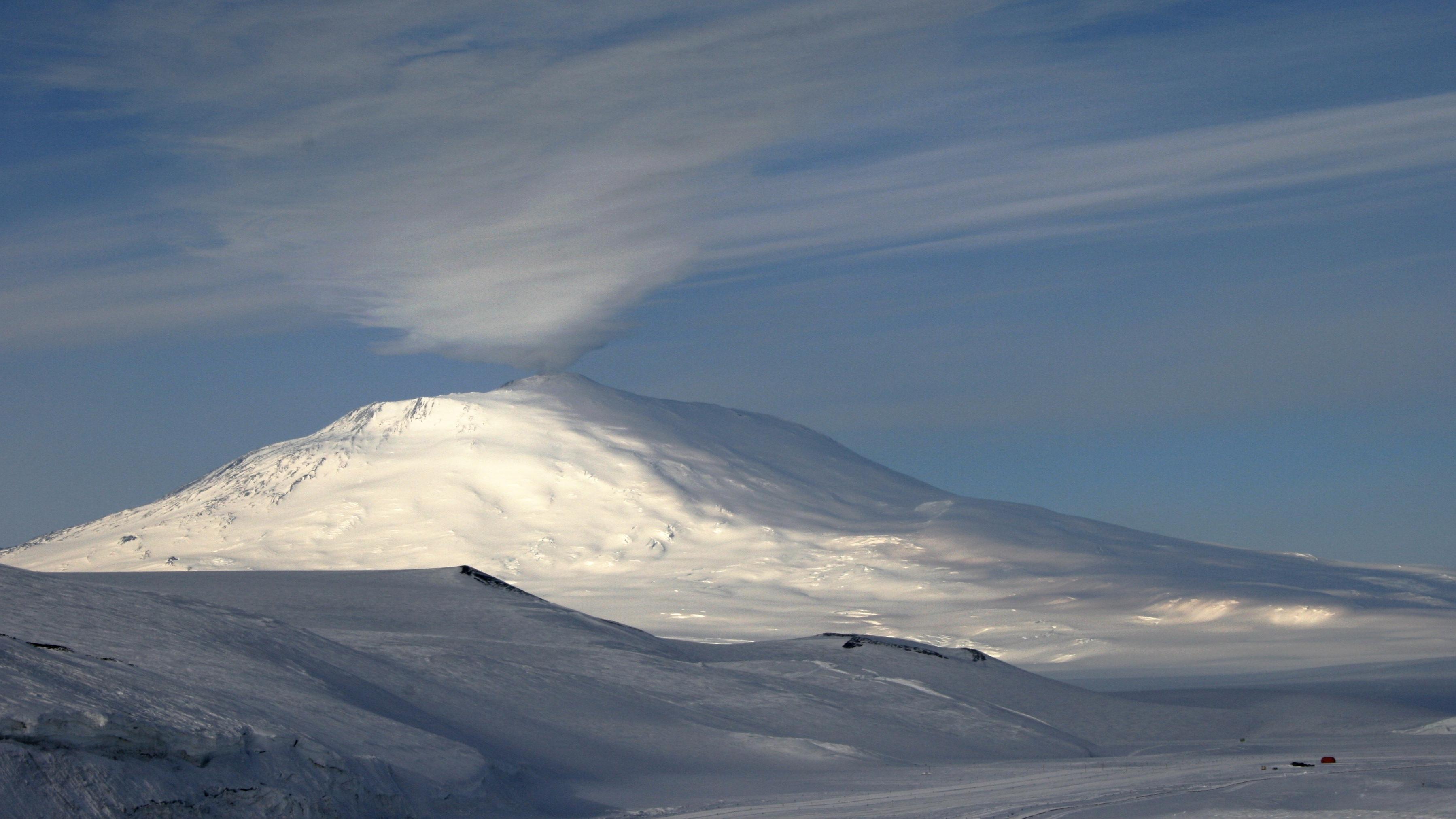 Antarctica-volcano