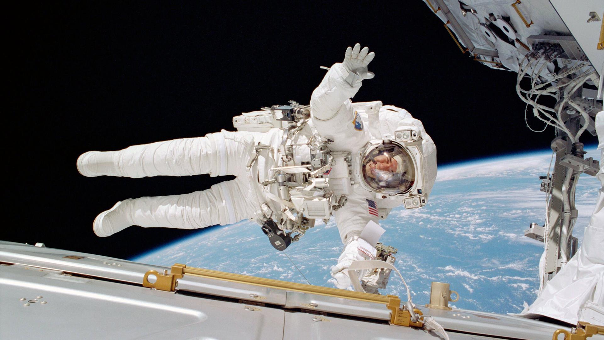Spacesuit_Hero_1.jpg