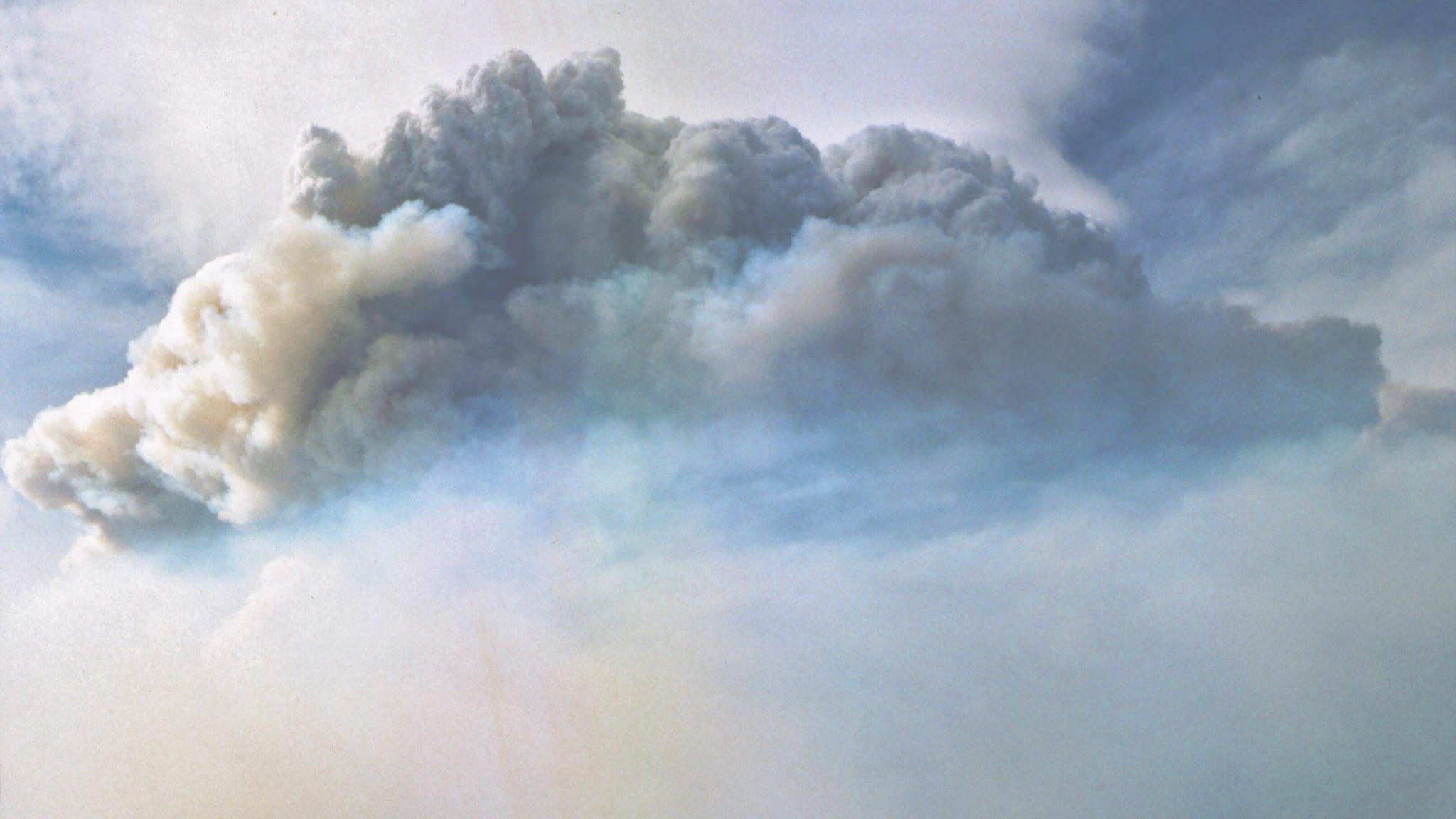 cloud-1988_2048x1152