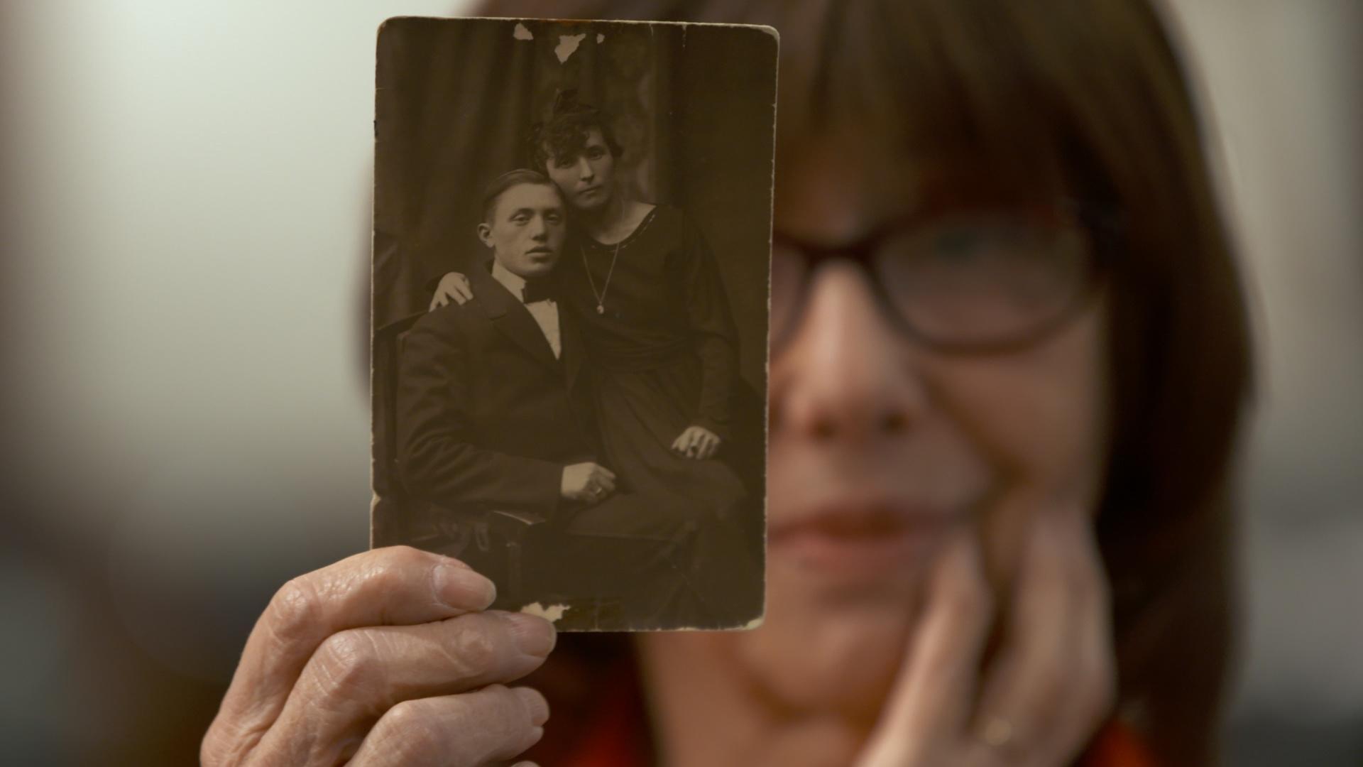 Holocaust Survival Tale: Esia Hero