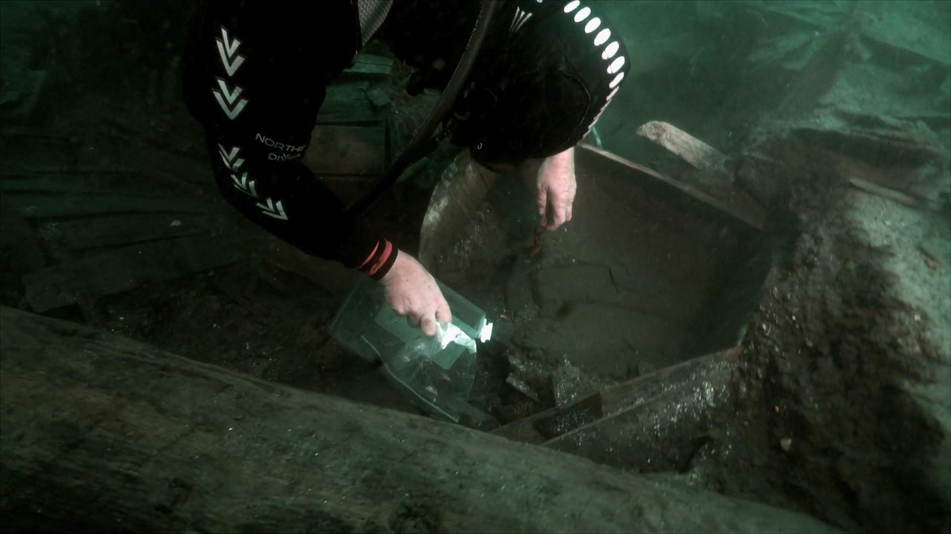 Mysterious Bones Found in 500-Year-Old Shipwreck Hero