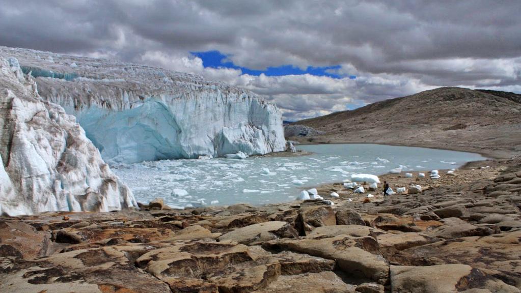 Quelccaya_Glacier_small