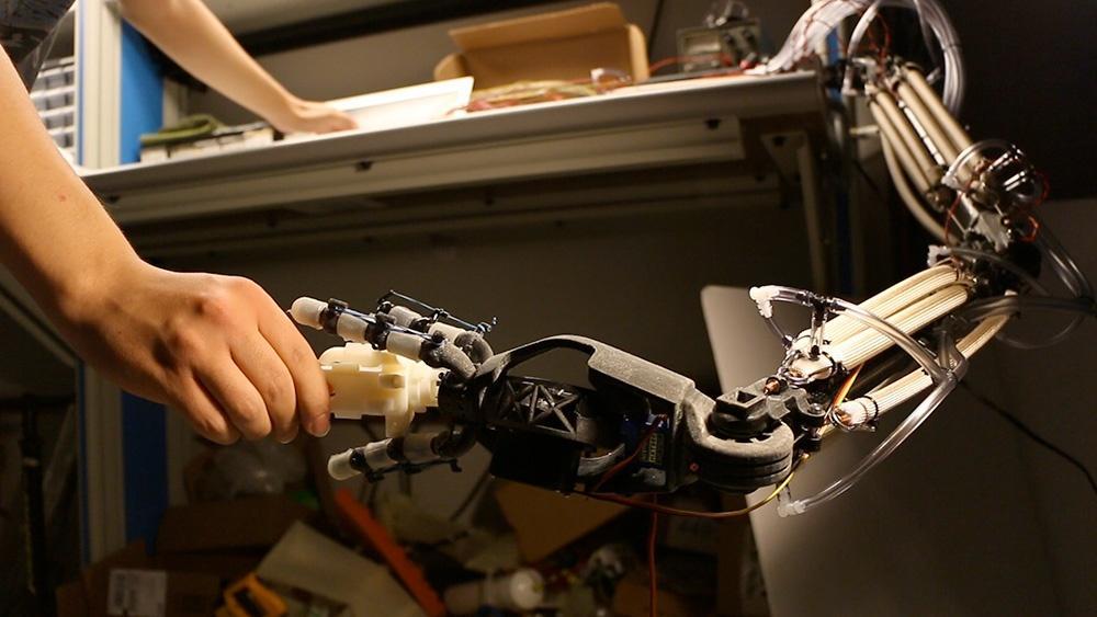 Softer, More Human Robots Hero