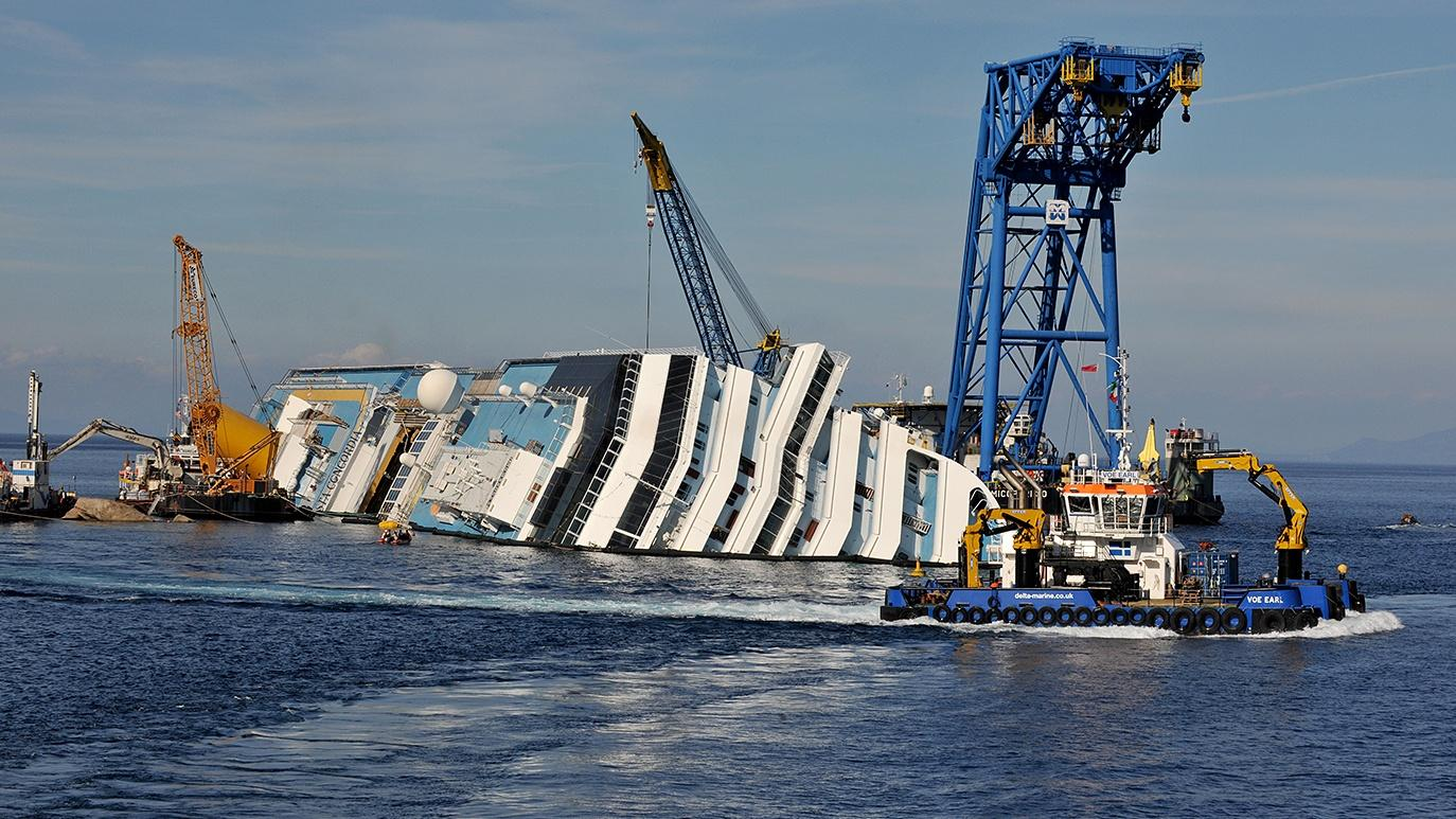 Sunken Ship Rescue Hero